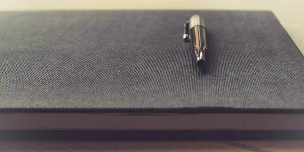 Pen_Notebook_Twitter.jpg